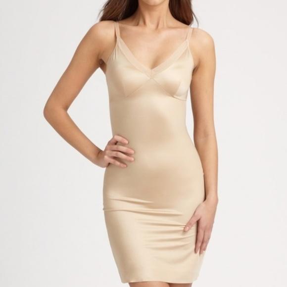 cc37938470f96 Spanx Simplicity Beige Full Slip Shapewear. M 5ab0572372ea88abb18dd7a2